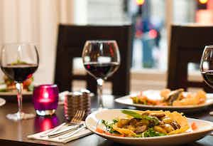 £43 for a 2 Course Meal for 2 Inc. Steaks & Scallops + Bottle of Wine