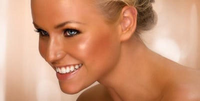 £19 for a Full Body Spray Tan + Gel Nails