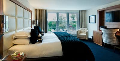 1 or 2 Night Stay in Club or Premier Room with Breakfast, Dinner + Late Check-Out for 2; from £99