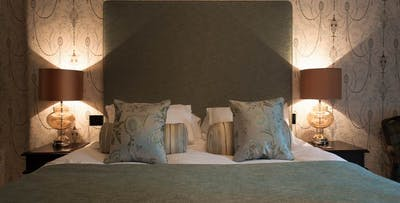 1 or 2 Night Sun-Mon Stay in Small or Executive Double for 2, from £99