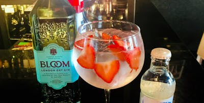 £12 for a Gin Goblet Each + Nibbles to Share for 2