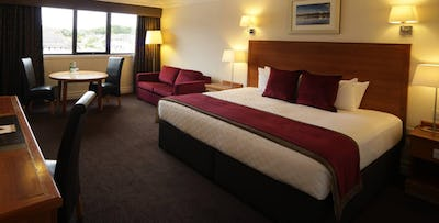 1 or 2 Night Stay with Option of Dinner for 2; from £49
