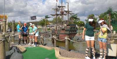 Round of Mini-Golf + Drink for 2 or 4; from £10