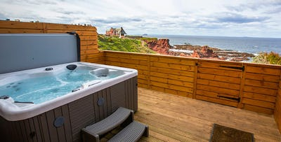 £149 for an Overnight Stay in Hot Tub Suite + Strawberries for 2