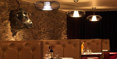 £40 for Chateaubriand Steak with Tiger Prawn Skewers + Cocktail for 2