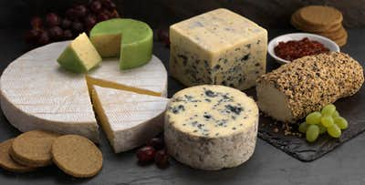£19 for a Luxury Cheeseboard Hamper