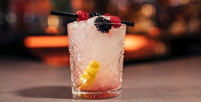 £12 for 4 Cocktails + Nibbles between 2