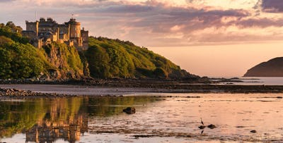 £189 for an Overnight B&B Stay with Dinner & Drink + Castle Tour for 2