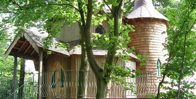 £299 for an Overnight Stay in Treehouse with Prosecco & Cheeseboard on Arrival + Dinner for 2