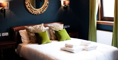 1 or 2 Night B&B Stay in Premium Room for 2; from £65