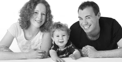 £20 for a Studio Family Portrait Session + Framed Portrait