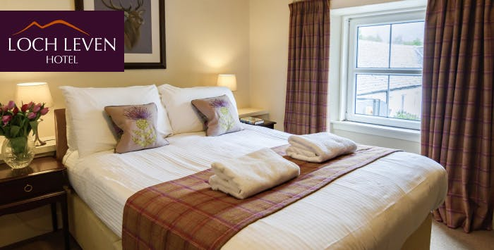 1 or 2 Night Stay with Breakfast, Chocolates, Prosecco + Option of Dinner for 2; from £69
