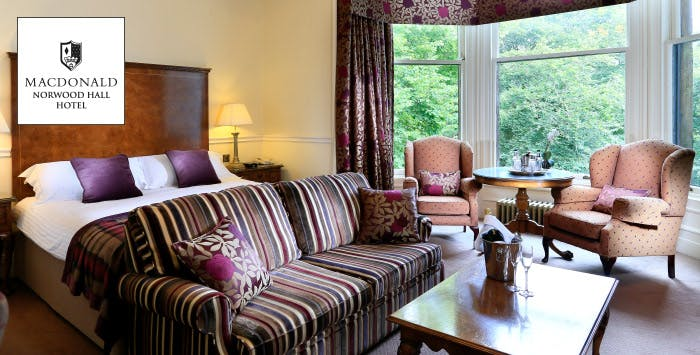 £109 for an Overnight Stay with Dinner, Prosecco + Room Upgrade for 2