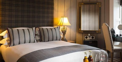 £195 for an Overnight Stay + Chateaubriand & Bottle of Wine for 2
