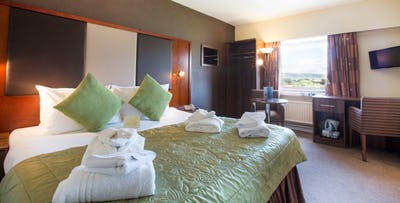 £79.50 for an Overnight B&B Stay with 3 Course Dinner, Bottle of Wine + Airport Transfer & Parking for 2