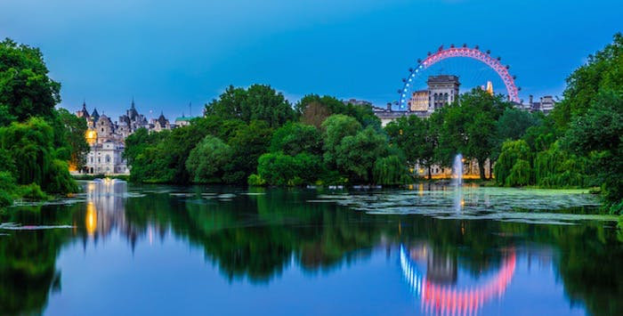 1 or 2 Night Stay in 3* or 4* Hotel + Champagne on London Eye for 2, from £198