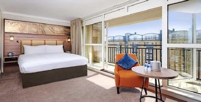 1 or 2 Night Stay in 3* or 4* Hotel + Champagne on London Eye for 2, from £189