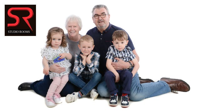 £14 for a Family Photoshoot with Set of Prints for up to 15 People