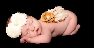 £12 for a Newborn Photoshoot with 6 Prints. £16 for a Bump to Baby Package with 9 Prints