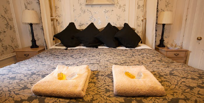 1, 2 or 3 Night Stay with Breakfast, Welcome Drink + Sweet Treat for 2; from £55