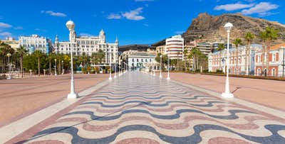 £220 for 3 Nights in Alicante with Return Flights - Low Deposit Required