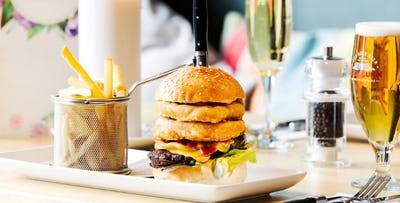 £16 for a Gourmet Burger + Bellini Cocktail or Beer for 2