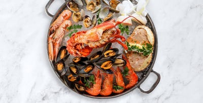 £60 for a Luxury Seafood Platter with Bottle of Prosecco + 2 Desserts between 2