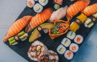 Sushi Masterclass + Fizz