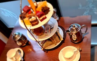 'Oui' Afternoon Tea for 2