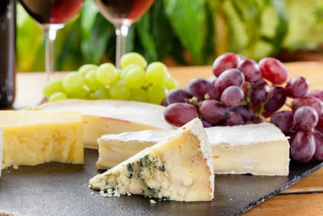 £15 for a Wine Flight + Cheeseboard for 2