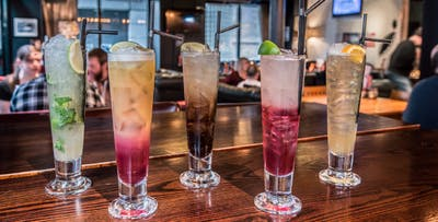 £10 for 4 Cocktails + Complimentary Nibbles between 2