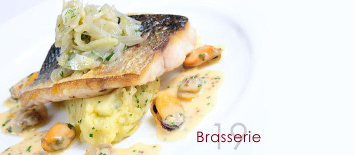 £21.95 for Steak or Sea Bream + Wine for 2