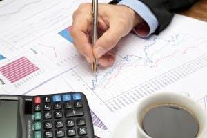 BusinessMeetingGraphPen_iStock_000022200278XXXLarge copy