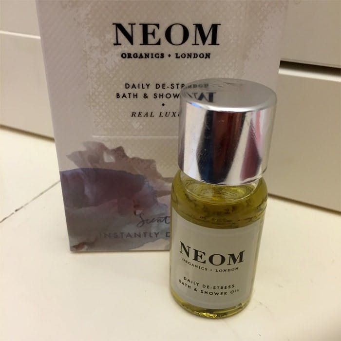 Neom Scent To Make You Feel Good On The Go Daily De-Stress Bath & Showe Oil