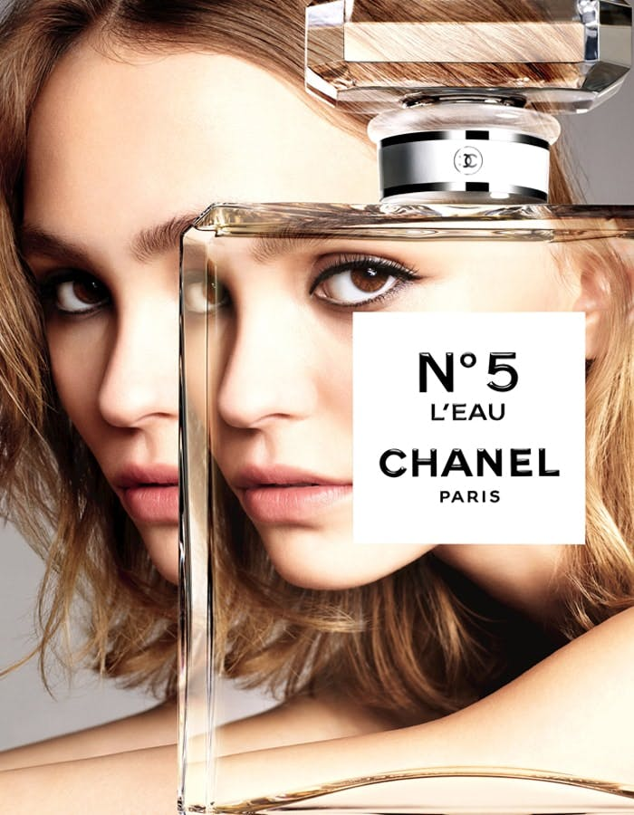 lily-rose-depp-for-chanel-no5-leau