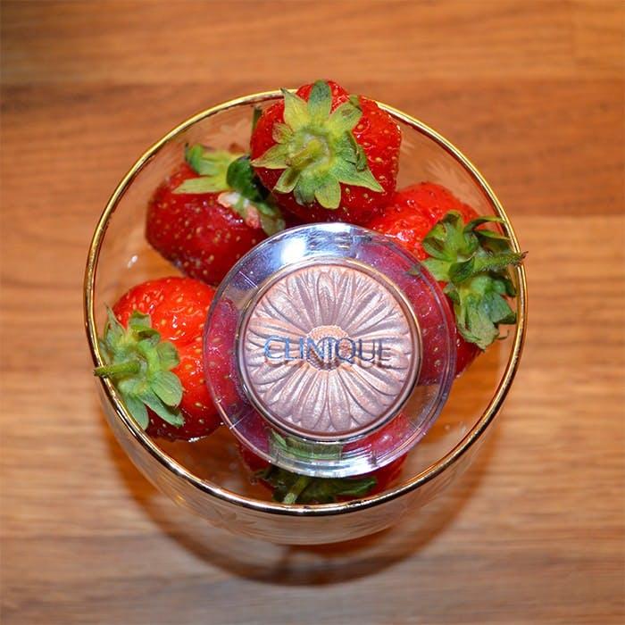 Strawberries and Cream - Clinique Cream Pop Eyes