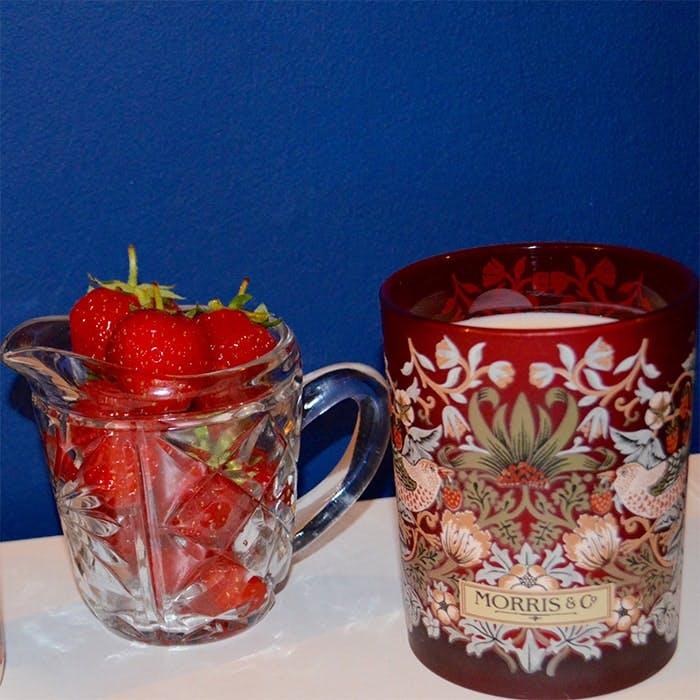The Strawberry Thief William Morris Heathcote & Ivory candle
