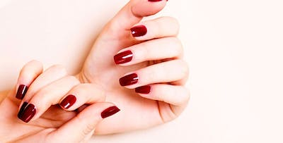 £20 for a File & Polish on Hands & Toes + Spray Tan