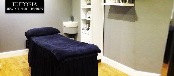 £25 for a Customised Dermalogica Facial + £10 Voucher