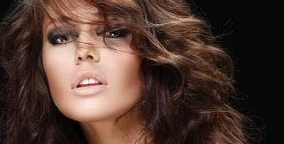 £19 for a Bouncy Blow Dry with Luxury Olaplex Treatment