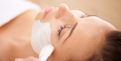 £19 for a Pre-Holiday Pamper Package - Swedish Massage + Express Facial
