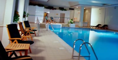 £39 for a Pamper Package with 2 Treatments, Herbal Tea & Leisure Access for 1