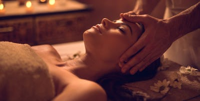 £59 for an Aromatherapy Facial + Lunch for 2